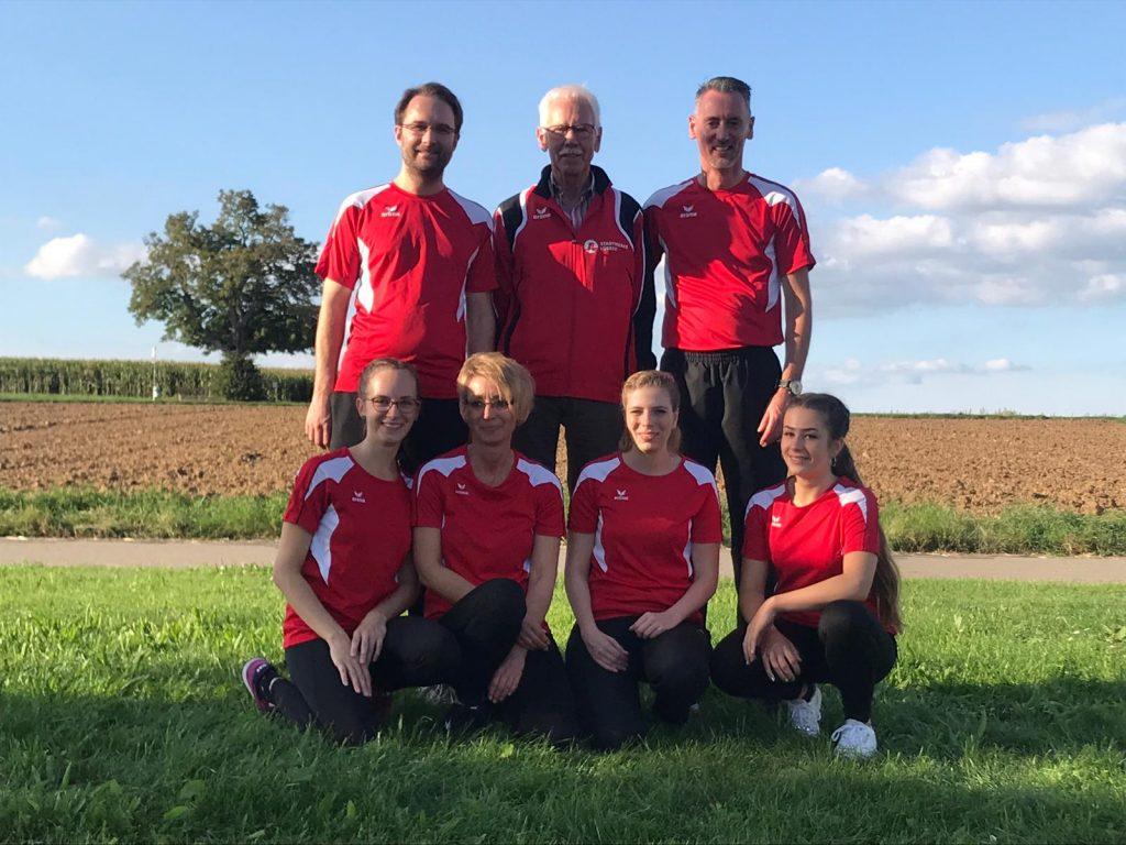 Mannschaft mit Trainer Gerd Clasen